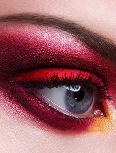 Closeups by Viktoria Stutz, via Behance  love it @rudy miles  thx for sharing