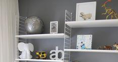 To fine gutterom. Work Surface, Modern Kitchen Design, Floating Shelves, Stuff To Do, Home Decor, Decoration Home, Room Decor, Wall Shelves, Home Interior Design