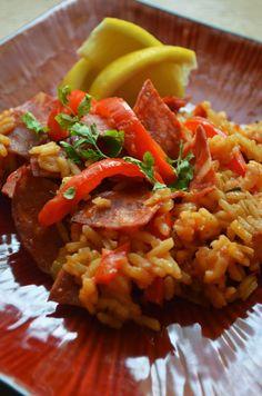 Paella z chorizo i serrano, z zapiekaną papryką i szafranem Chorizo, Paella, Risotto, Tacos, Mexican, Eat, Ethnic Recipes, Food, Essen
