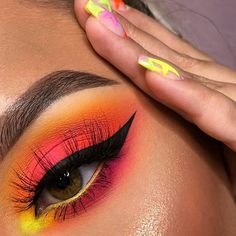 [New] The 10 Best Makeup Ideas Today (with Pictures) - Love neons . Products used: neon obsession palette orange and green . Makeup Eye Looks, Eye Makeup Art, Dark Makeup, Blue Eye Makeup, Pretty Makeup, Eyeshadow Makeup, Neon Eyeshadow, Orange Eyeshadow, Asian Makeup