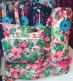 Travel Wardrobe, Deco Table, Vera Bradley Backpack, Diaper Bag, Christian, Backpacks, Sewing, Beach, Diy
