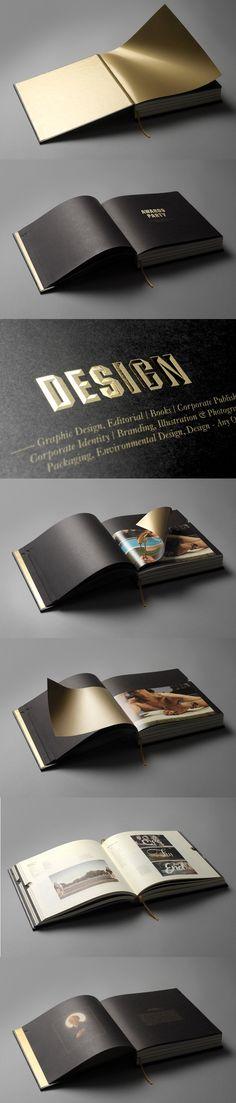 Libro con fondos en oro y páginas de distintos tamaños