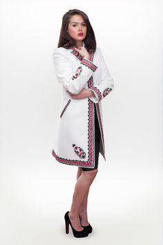 Simte traditia la fiecare pas!  #RomanianLabelCoat