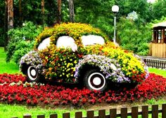 Garden design of old beetle VW Upcycling