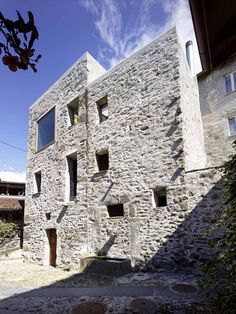 Stone House Transformation in Scaiano,© Hannes Henz