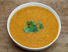soupe tomates courgettes thermomix, une délicieuse recette pour votre entrée de repas ou dîner, facile à réaliser chez vous avec votre thermomix,