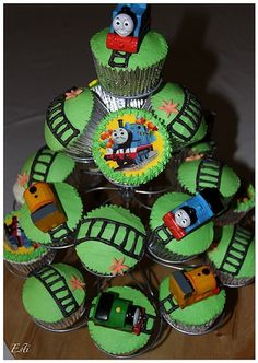 Thinking about birthday cupcakes for R. Thomas Birthday Cakes, Thomas Birthday Parties, Thomas The Train Birthday Party, Trains Birthday Party, Train Party, Birthday Fun, Birthday Ideas, Train Cupcakes, Cupcakes For Boys