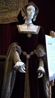 Gown based on portraits of Jane Seymour.