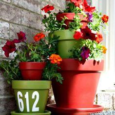 Cool outdoor flower pot idea