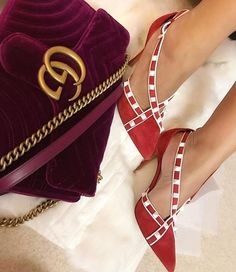 Valentino #shoes #shoesaddict #sandals #zapatos #estilo #fashion #style #vanessacrestto #stiletto #valentino