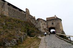 a Sümegi vár Tower Bridge, Hungary, Castles, Louvre, Building, Flag, Travel, Viajes, Chateaus