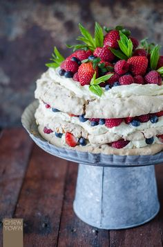 Layered Hazelnut Pavlova with Mascarpone Cream and Berries Just Desserts, Dessert Recipes, Meringue Cake, How To Roast Hazelnuts, Australian Food, Pavlova, No Bake Cake, How To Make Cake, Sweet Recipes