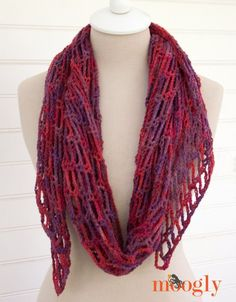 You might be familiar with the Artfully Simple Infinity Scarf – it's one of the most popular patterns ever on Moogly! But there's one request that pops up from time to time… a scarf with the same great look and style, but two ends (aka, not an infinity)! Well, at long last I present the Artfully [...]