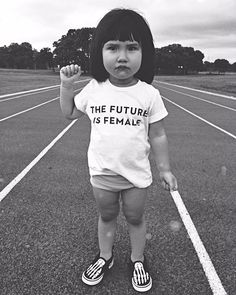"900 curtidas, 115 comentários - Mia (@miasaidno) no Instagram: ""That's right. ✊ . . . #thefutureisfemale #toddlerlife #candidchildhood #unitedinmotherhood…"""