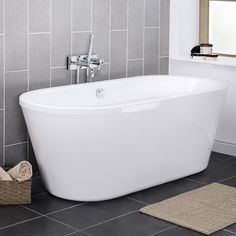 Pool 1750 Double Ended Round Freestanding Bath - NFB005The Luxury 1750mm double ended round free-standing bath, suitable as a centre piece for any bathroom design. Our luxury bath collection contains some of the most desirable bath designs available today. If you want to make a statement with yo