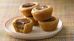 Enjoy the taste of peanut butter in these cookie cups – perfect for dessert.