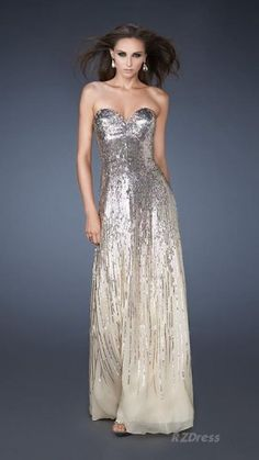 so pretty! love the sparkles on this prom dress