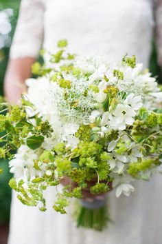 Green and white bouquet by Madeline Trait.  Photography by Jenna Beth Photography