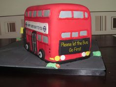 London Bus Cake rear View Bus Cake, London Bus, Novelty Cakes, Rear View, Birthday Party Themes, British, Fun, Pies, Fin Fun