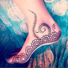 Gorgeous feet henna! Yay or a nay for you?
