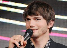 HOT Celebrity pics and photos, desktop wallpapers and celebrities gossip and screen savers and videos Ashton Kutcher, Demi Moore, Actor Photo, Celebrity Gossip, Celebrity Pictures, Twitter, Actors, Celebrities, Html