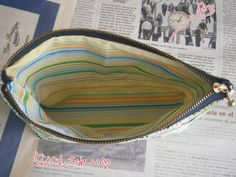 Aria, Clutch Tutorial, Handicraft, Decorative Bowls, Diy And Crafts, Zip Around Wallet, Couture, Projects To Try, Textiles