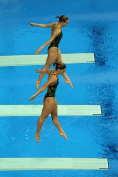 Tania Cagnotto and Francesca Dallapé (Italy) 2012 FINA Diving World Cup