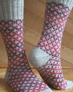 Knitting Patterns Socks Ravelry: Socks of a Different Stripe (SoaDS) pattern by Camille Chang Crochet Socks, Knit Or Crochet, Knitting Socks, Hand Knitting, Patterned Socks, Fair Isle Knitting, Knit Picks, Designer Socks, My Socks