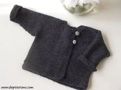 idée-modèle-tricot-bébé-facile-et-gratuit. Diy Knitting Clothes, Knitting For Kids, Crochet For Kids, Baby Knitting, Crochet Baby, Tricot Baby, Knitted Afghans, Baby Couture, Baby Sweaters