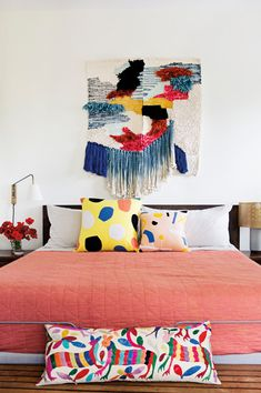 colorful bedroom accents, wall hanging