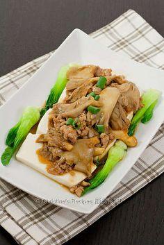 清蒸豆腐蠔菇肉鬆 Oyster Mushroom Tofu01 by christine.ho, via Flickr