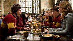 仲良し3人組が四角関係に!? -(C) 2009 Warner Bros. Ent. Harry Potter Publishing Rights -(C) J.K.R. Harry Potter characters, names and related indicia are trademarks of and -(C) Warner Bros. Ent. All Rights Reserved.