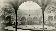Image from http://www.thecircusblog.com/wp-content/uploads/2011/11/Barnum-Bailey-Inside-show-area..jpg.