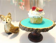 Woodland cake stand
