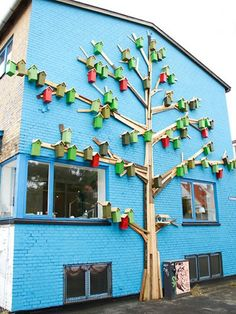 Very cool Happy City Birds art installation--although I imagine there's quite the mess on the pavement below.