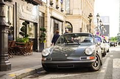 http://classy-in-the-city.tumblr.com/post/26486187667/carmonday-911-s