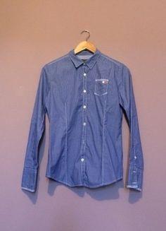 À vendre sur #vintedfrance ! http://www.vinted.fr/mode-femmes/blouses-and-chemises/36161537-chemise-bleue-napapijri-taille-medium