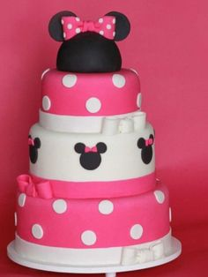 Minnie Mouse birthday cake--- I would do red instead of pink!! Korie would love it!!