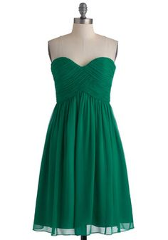 Vert-ing with the Idea Dress, #ModCloth, i really want an awesome green dress.