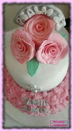 Aannemings koek / First Communion Cake Communion Cakes, First Communion, Cake Pops, Madness, Cupcakes, Desserts, Food, First Holy Communion, Tailgate Desserts