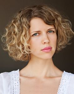 Gute Ideen über den besten Kurzhaarschnitte für lockiges Haar: Best Kurz Frisuren For Lockiges Haar Dick ~ frauenfrisur.com Frisuren Inspiration