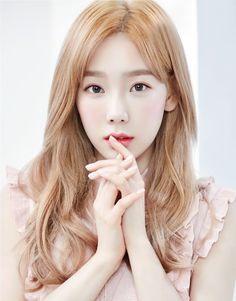 Girls' Generation Taeyeon - Banila Co. Girls Generation, Girls' Generation Taeyeon, Snsd, Yoona, Korean Girl, Asian Girl, Taeyeon Fashion, Kim Tae Yeon, Tips Belleza