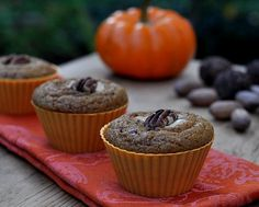 Healthy pumpkin muffins that stay fresh for days. Moist and spicy with great texture. Text, photograph and recipe for Perfect Whole Wheat Pumpkin Muffins © Kitchen Parade, All Rights Reserved. Pumpkin Cream Cheese Muffins, Cheese Pumpkin, Savory Pumpkin Recipes, Healthy Pumpkin, Ww Desserts, Healthy Desserts, Healthy Recipes, Whole Wheat Muffins, Starbucks Pumpkin