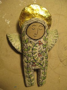 angel papier mache with decoration and gold leaf. papier mache with decoration and gold leaf. Paper Dolls, Art Dolls, Paper Mache Crafts, Art Textile, Paperclay, Little Doll, Soft Sculpture, Art Plastique, Altered Art
