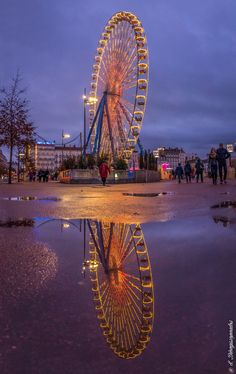 Ferris Wheel Reflection by Stephane Dionyssopoulos on 500px