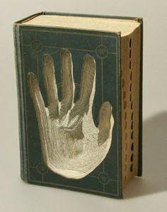 Paper + Book + Art | 紙 + 著作 + アート | книга + бумага + статья | Papier + Livre + Créations Artistiques | Carta + Libro + Arte | via margaret-cooter: book arts