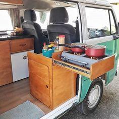 23 Amazing interior ideas from Van Life as inspiration – Camping Vw Camper Bus, Combi Vw T2, Kombi Food Truck, Kombi Trailer, T3 Vw, Vw T5, Vw Camping, Glamping, Kombi Home