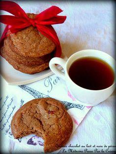 Cookies au chocolat au lait et noix de pécan pour utiliser les oeufs de Pâques Biscuits, French Toast, Breakfast, Tableware, Desserts, Food, Milk, Kitchens, Gifts