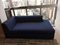 Capa e sofá com tecido jeans