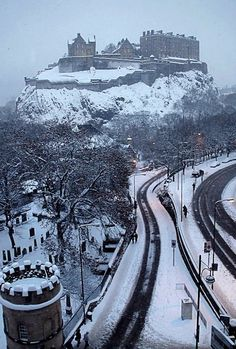 Winter in Edinburgh, Scotland | I love snowy days in Edinburgh when the Castle is all dusted in white.